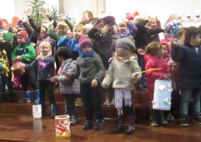 Leuchte Laterne - gesungen von allen Kindern